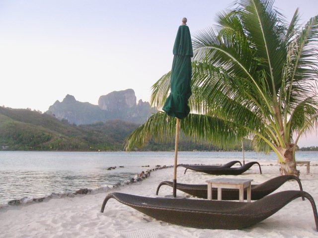 sofitel-private-island-bora-bora-beach