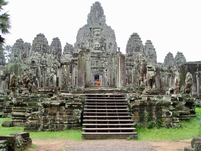 bayon-angkor-photo