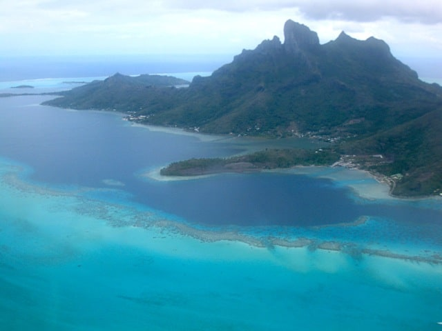 aerial-view-bora-bora-lagoon-photo