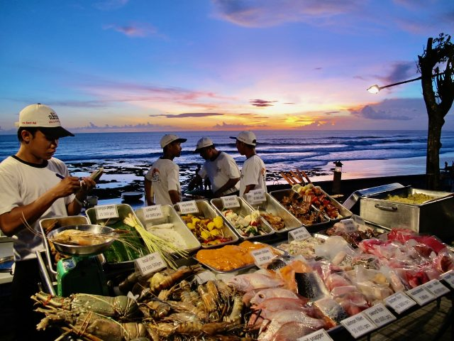 seafood-restaurant-canggu-bali-sunset-photo