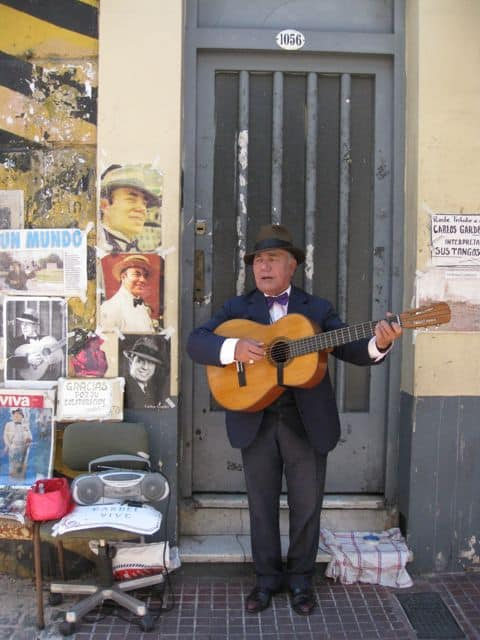 guitar-player-san-telmo-buenos-aires-photo