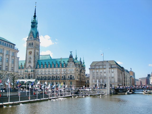 rathaus-hamburg-photo