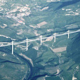 millau-viaduct-aerial-view-photo