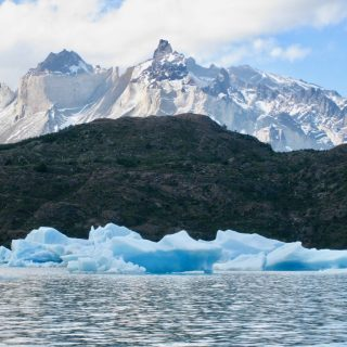 lago-grey-icebergs-patagonia-photo