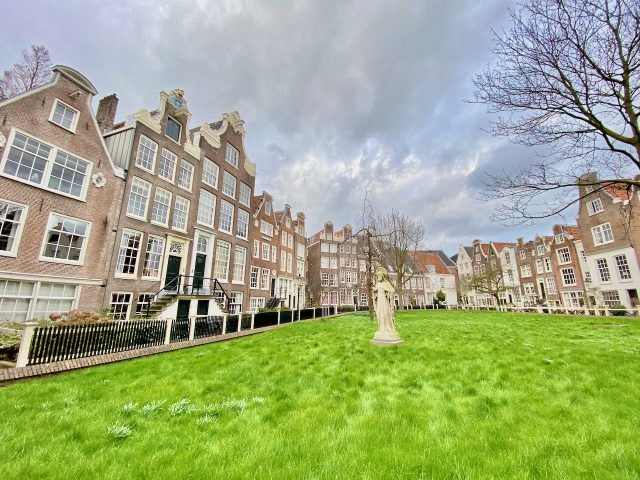 begijnhof-amsterdam-photo