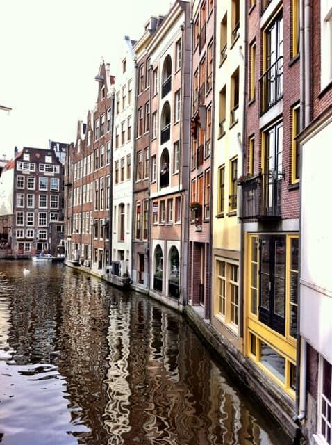 oudezijds-achterburgwal-amsterdam-photo