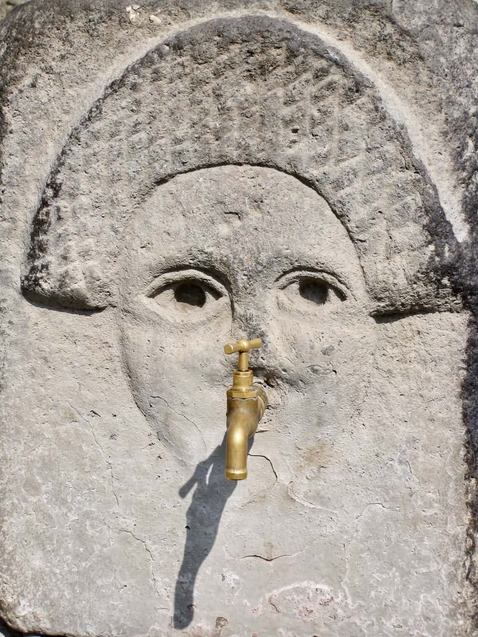 pompeii-fountain-face-photo