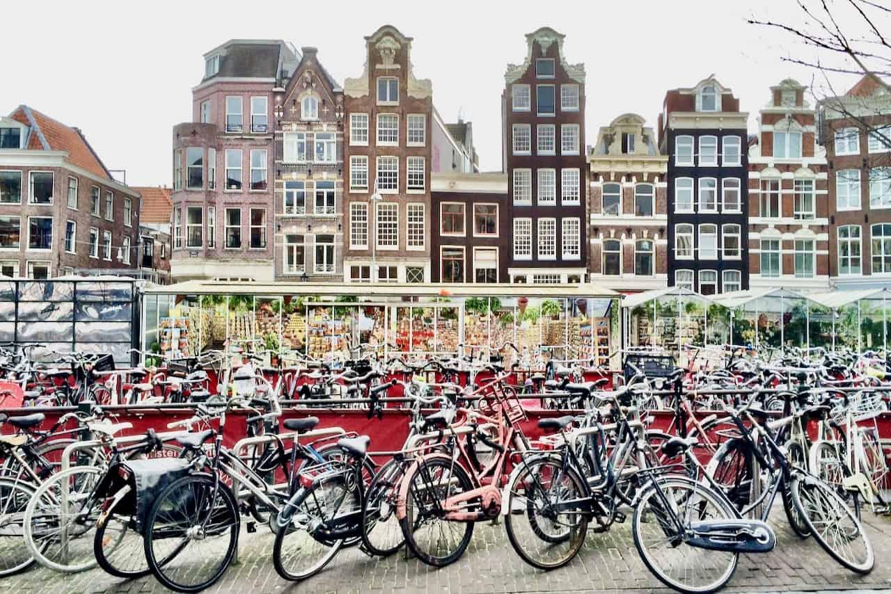 amsterdam-singel-bicycles-photo