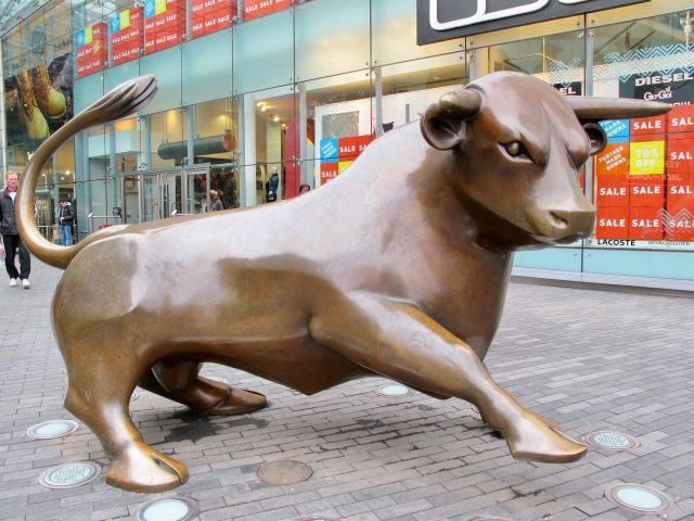 bull-statue-bull-ring-birmingham-photo