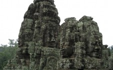 Bayon-temple-angkor-photo