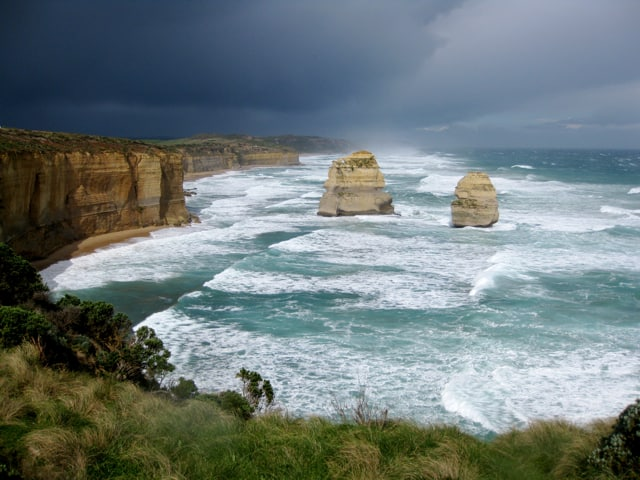 great-ocean-road-australia-storm-photo
