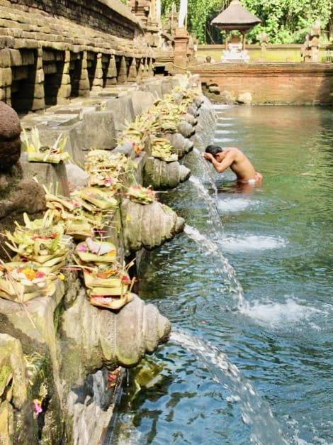 sacred-water-temple-bali-photo