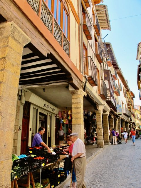 morella-street-photo