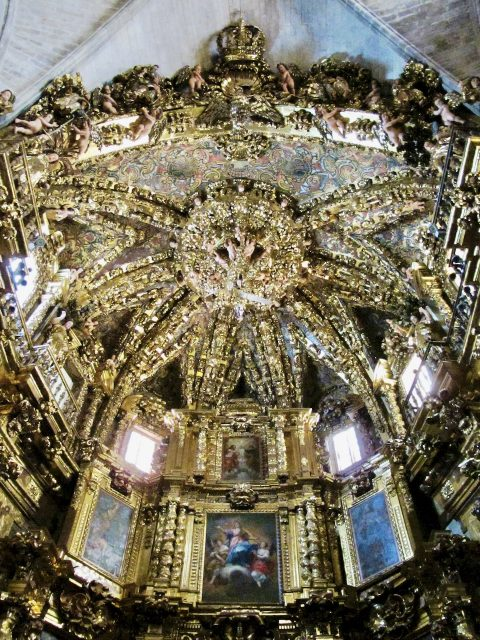 gold-alter-piece-Morella-photo