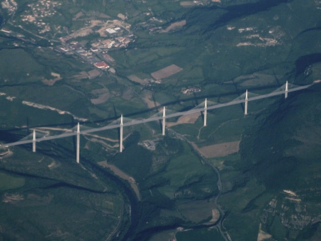 Millau-viaduct-photo