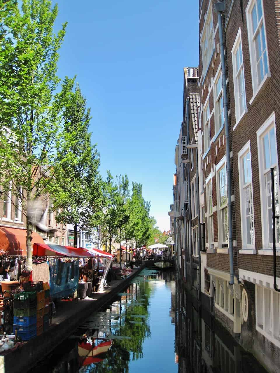 delft-canal-houses-photo