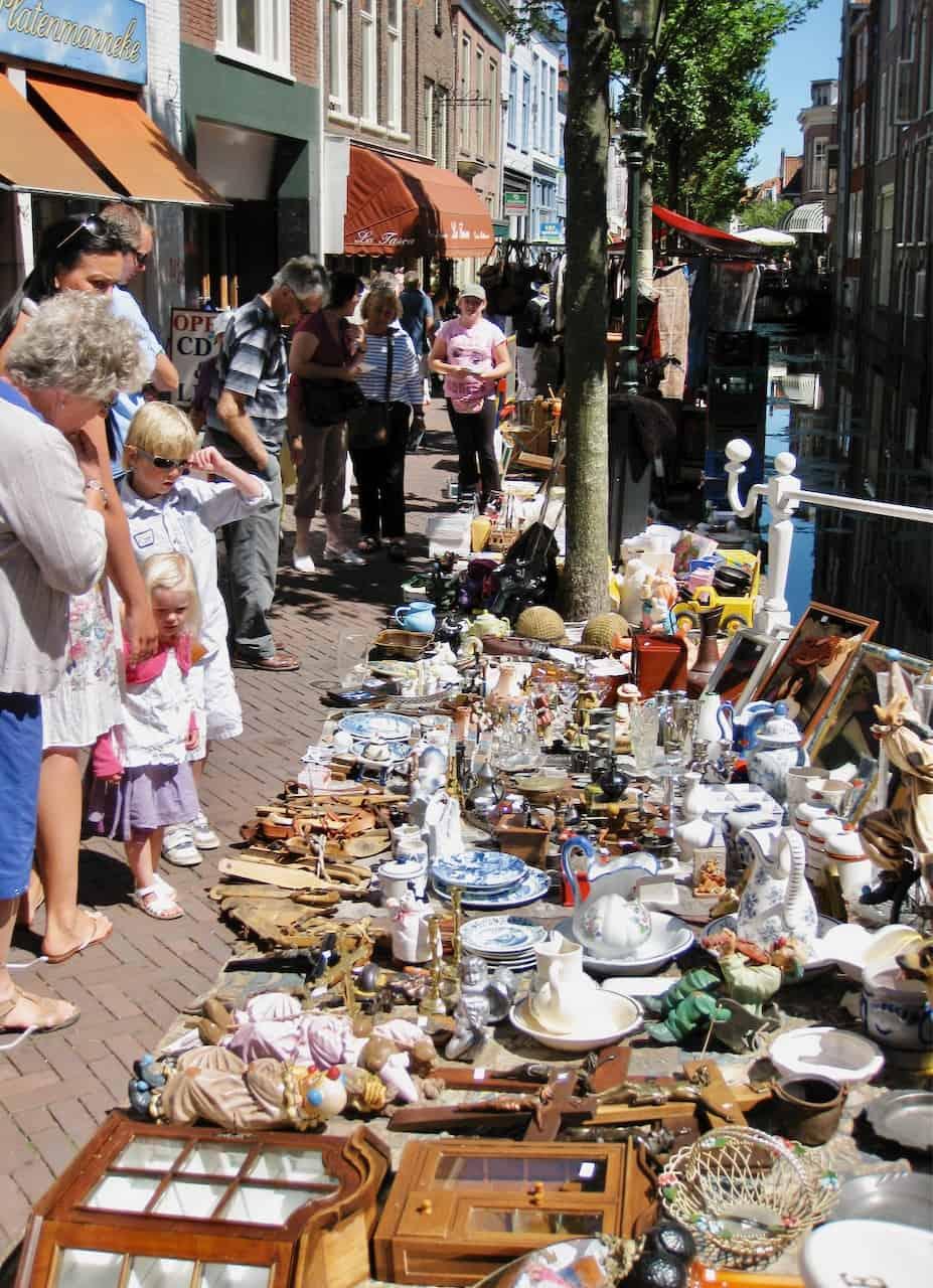 antique-market-delft-photo