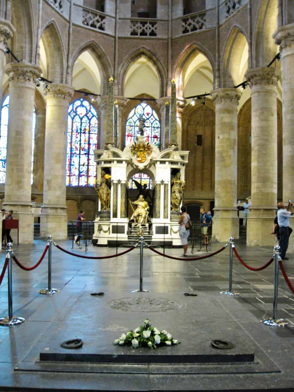 nieuwe-kerk-burial-vault-netherlands-royal-family-delft-photo