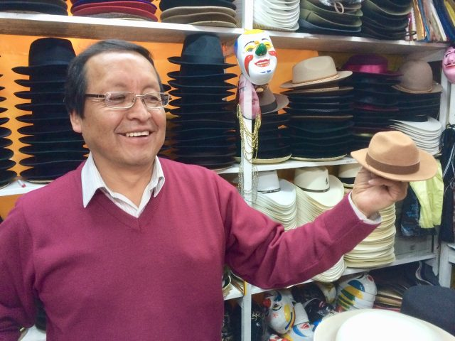 hat-maker-quito-photo