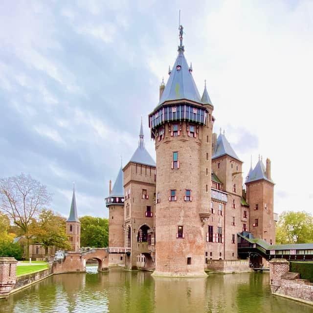 beautiful-castle-amsterdam-photo