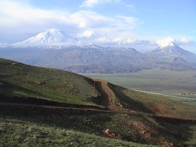 mount-ararat-little-ararat-photo