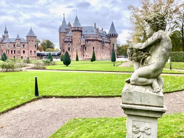 fairy-tale-castle-amsterdam-photo