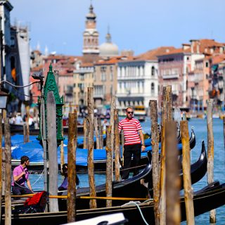 venice-gondolas-photo