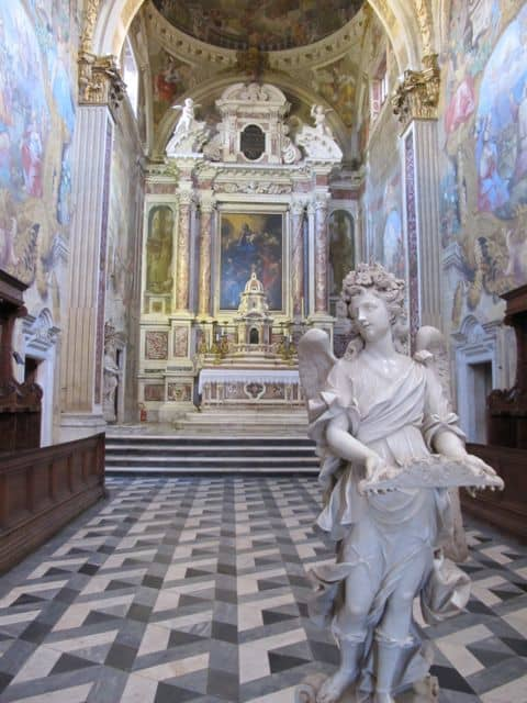 calci-charterhouse-church-statue-photo