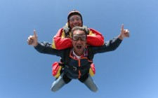 classic-skydive-pose