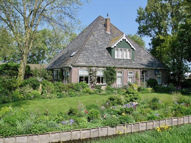 dutch-farmhouse-photo