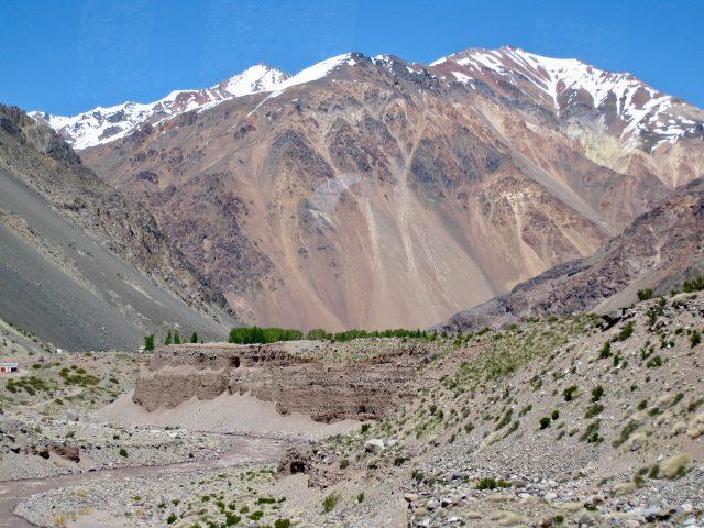 andes-mountains-near-mendoza-photo