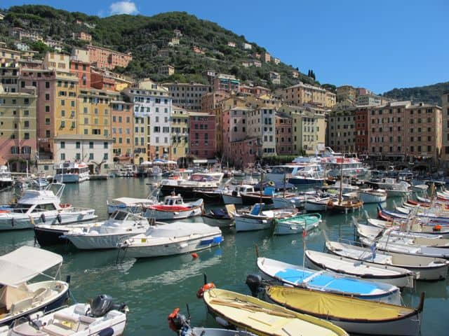 camogli-harbour-photo