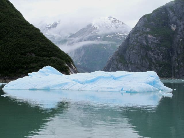 iceberg-tracy-arm-fjord-photo