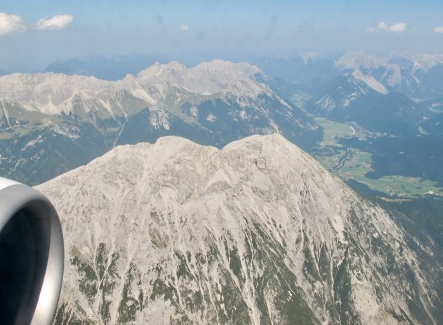 view-flying-into-innsbruck-photo