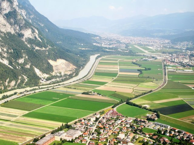 innsbruck-airport-landing-photo