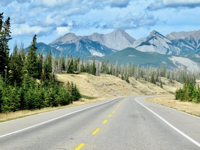 highway-16-jasper-edmonton-photo
