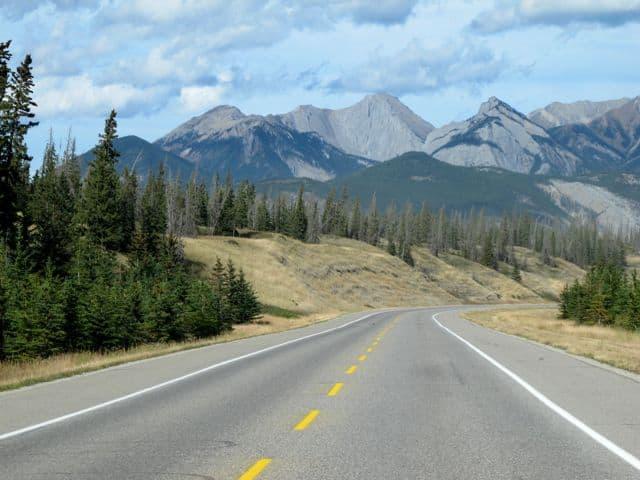 highway-16-jasper-edmonton-photo
