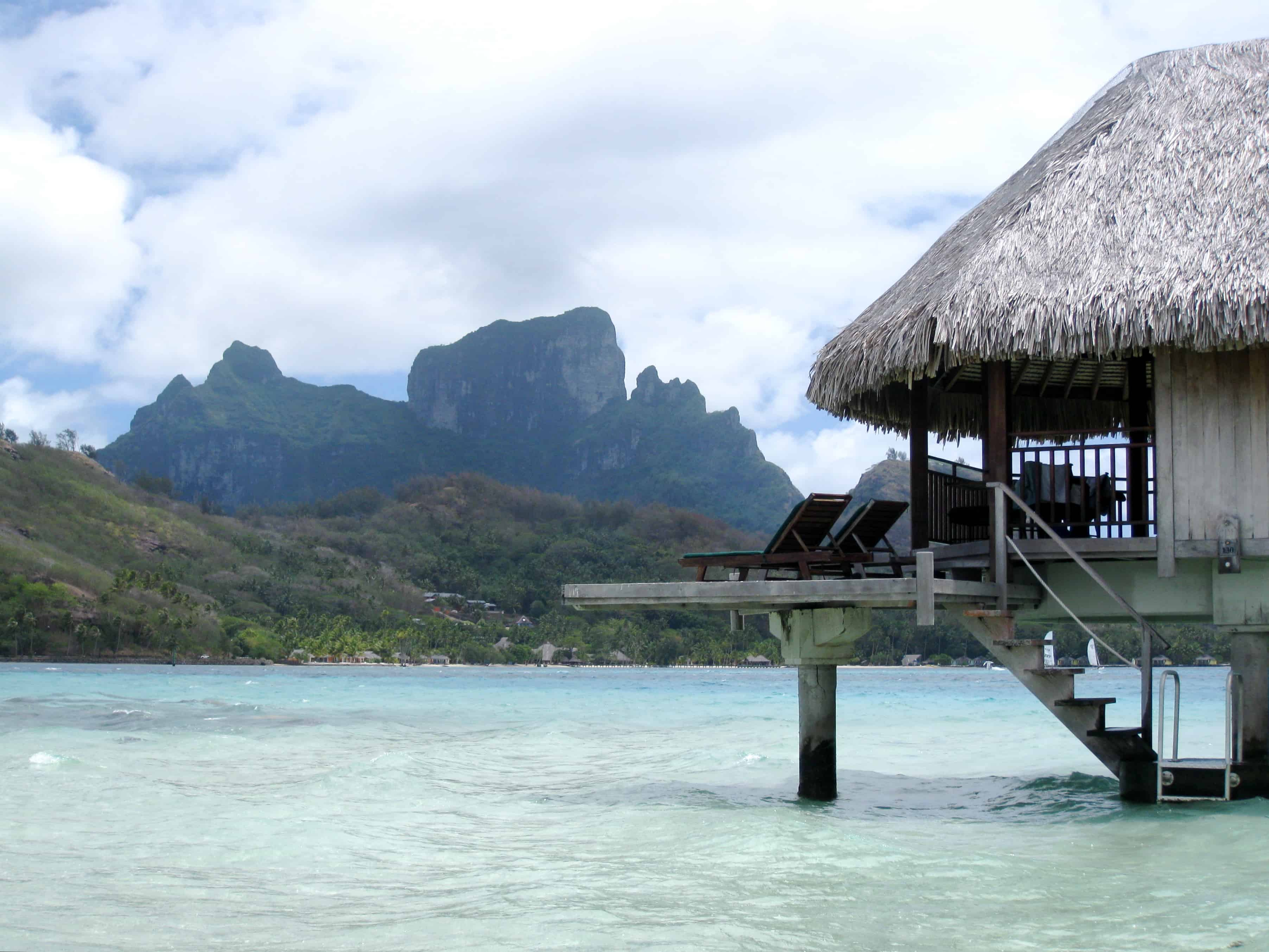 bora-bora-overwater-bungalow-photo