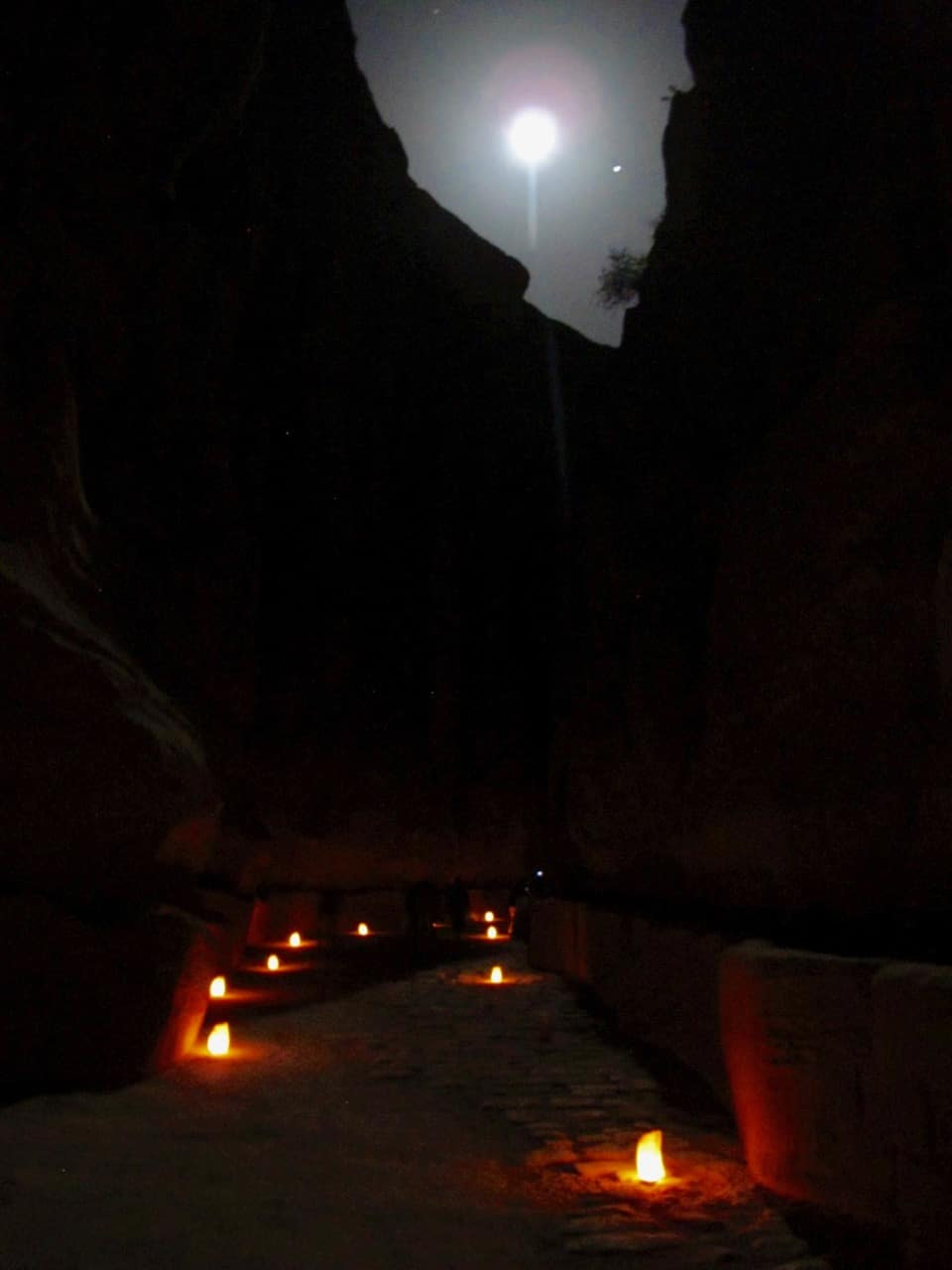 petra-night-siq-moon-photo