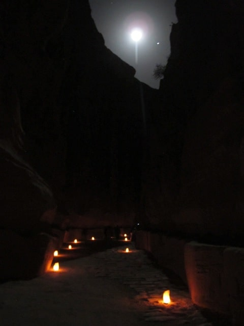petra-night-moon-siq-photo