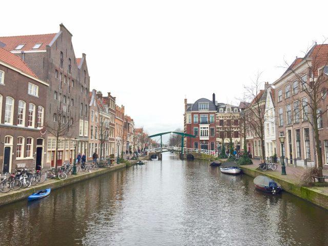 leiden-canal-photo