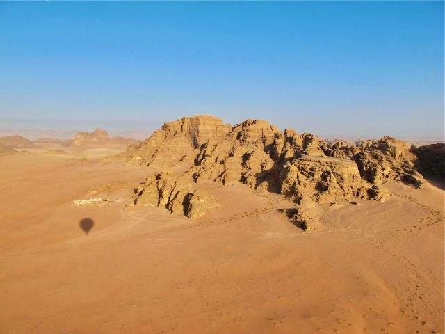 wadi-rum-hot-air-balloon-flight-photo