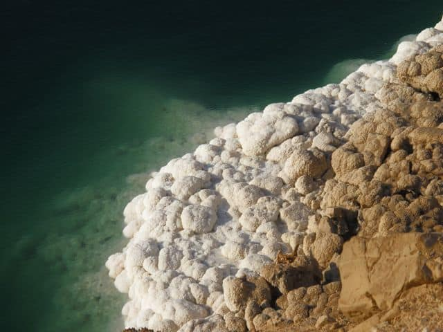 dead-sea-shore-salt-photo