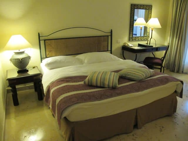 movenpick-dead-sea-room-photo