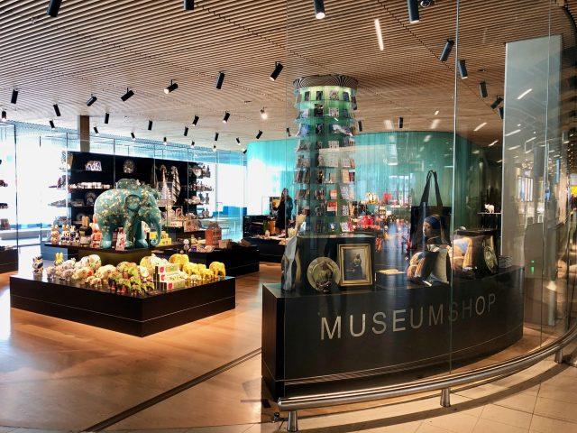 rijksmuseum-shop-schiphol-photo
