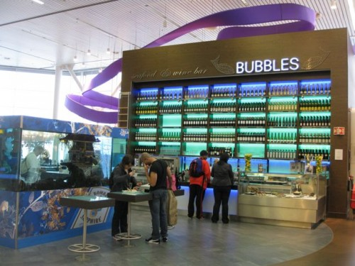 amsterdam-airport-schiphol-bar-photo