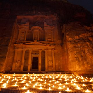 petra-night-treasury-candles-photo