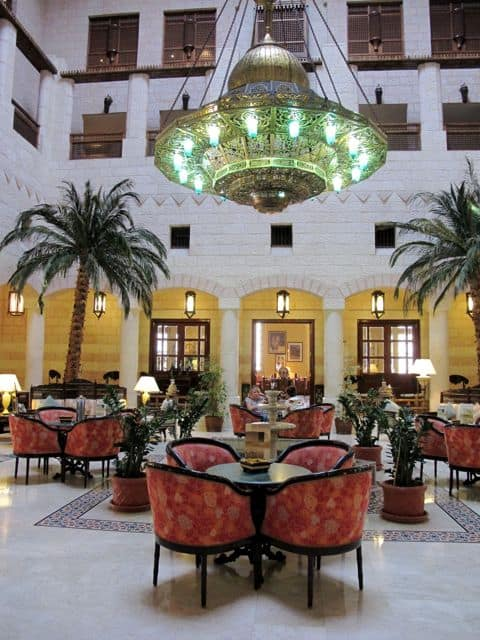 movenpick-resort-petra-atrium-photo
