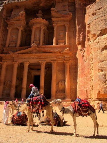 petra-treasury-camels-photo