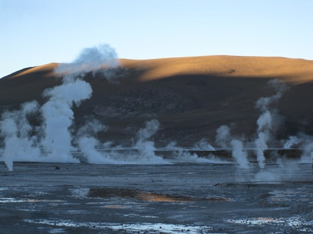El-tatio-geysers-chile-sunrise-photo